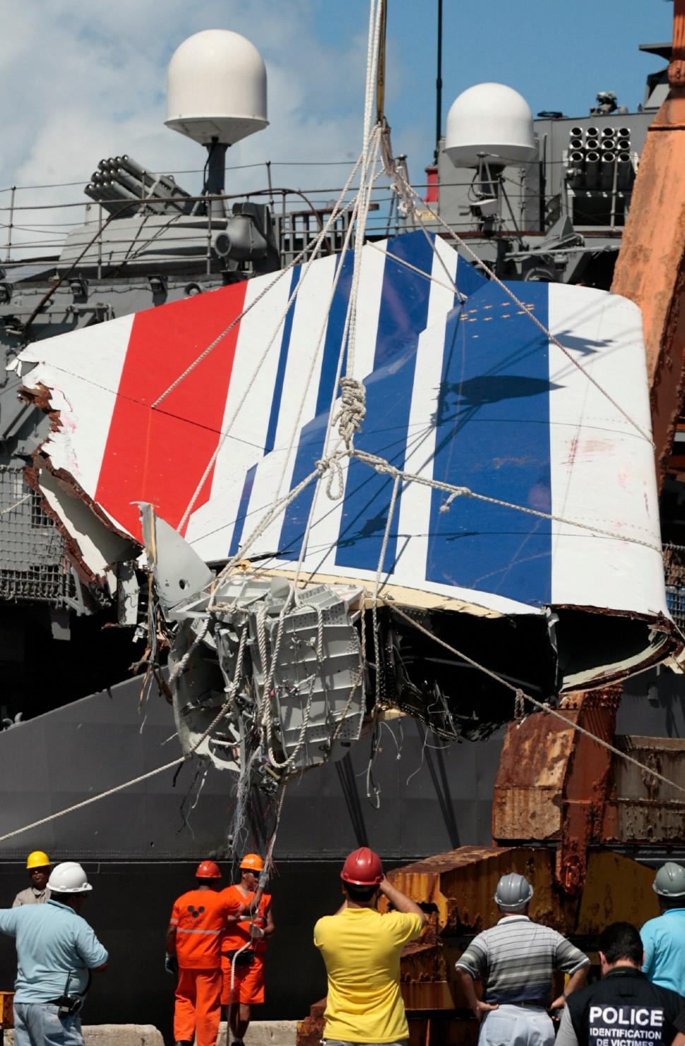 AF447 debris c Eraldo Peres AP Shutterstock rexfea