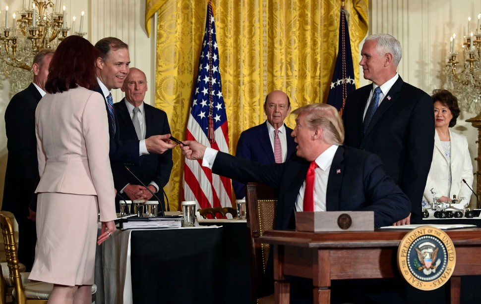 Bridenstine gets space policy pen from Trump c Sus