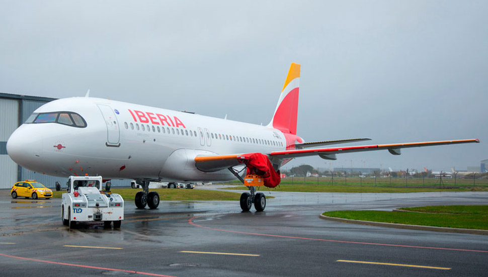 iag firms another two a320neo options for iberia news flight global iag firms another two a320neo options