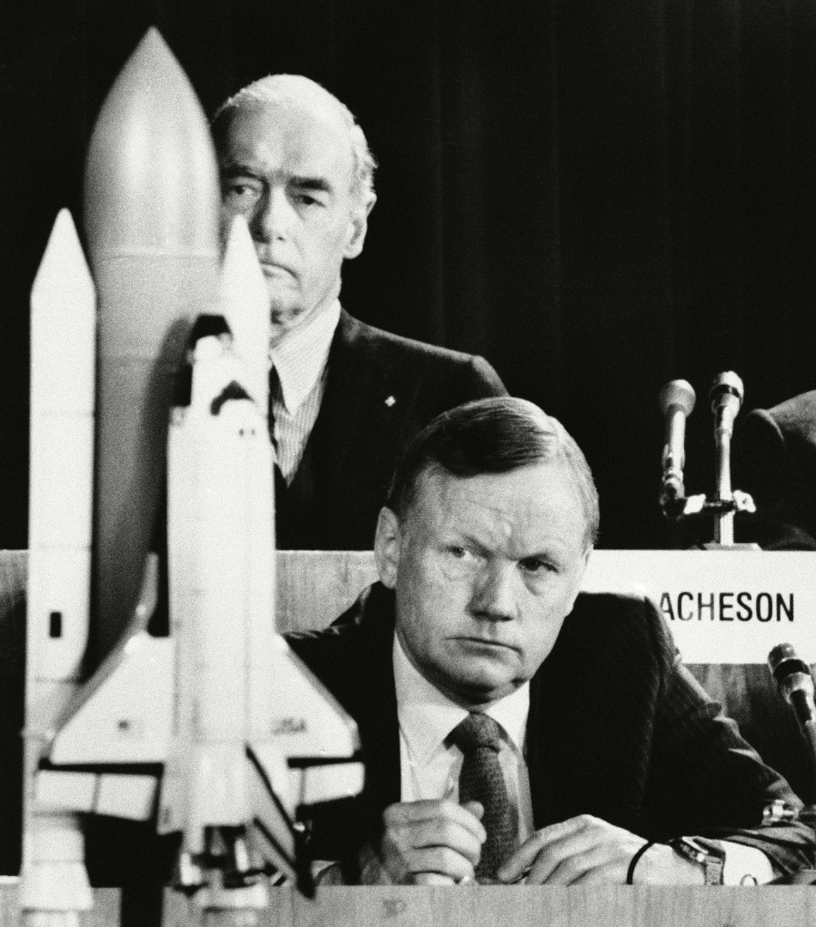 Neil Armstrong at Challenger inquiry c Scott Stewa