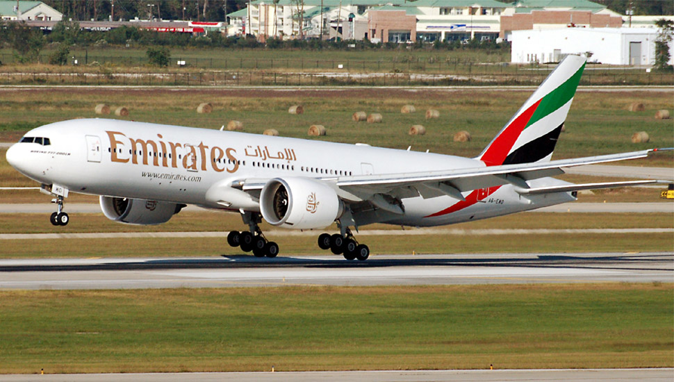 Boeing-777-200LR-emirates c