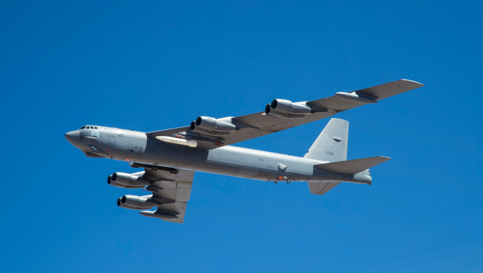 Boeing B-52 captive carry test of ARRW hypersonic
