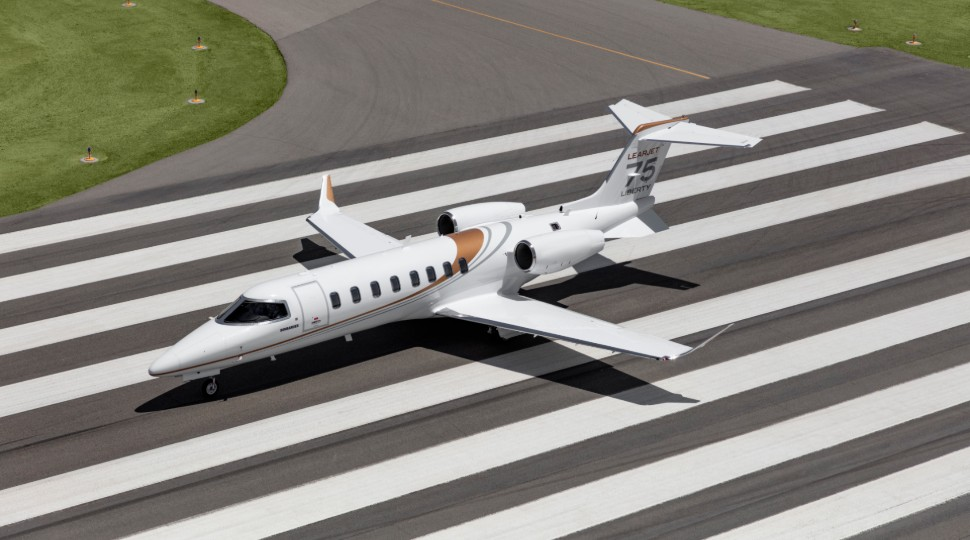 Learjet 75 Liberty ground