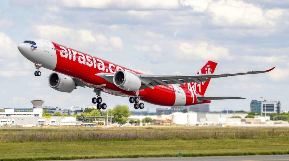 Airbus AirAsiaX first A330-900