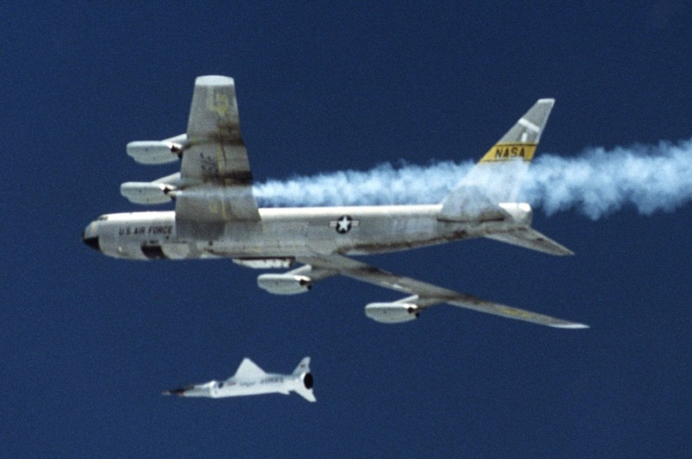 B-52B with X43 c NASA Armstrong Flight Research Ce