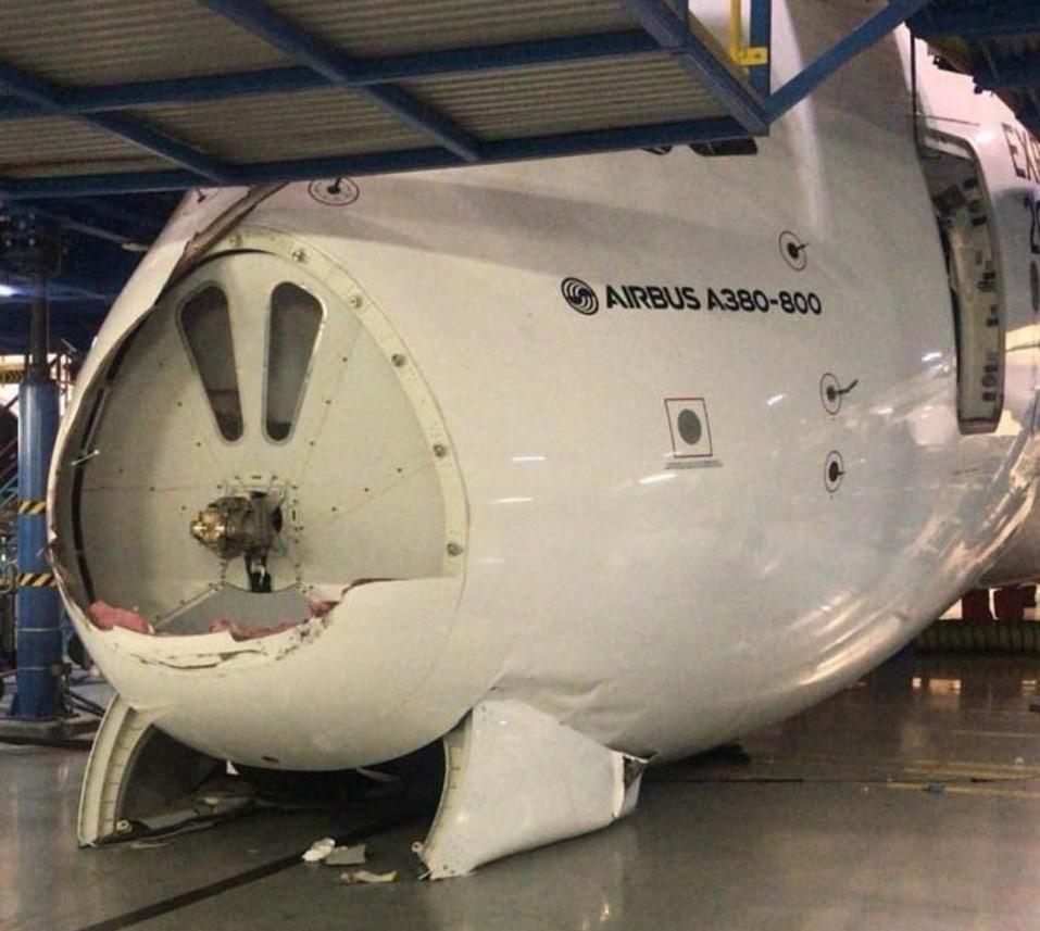 EK A380 damage
