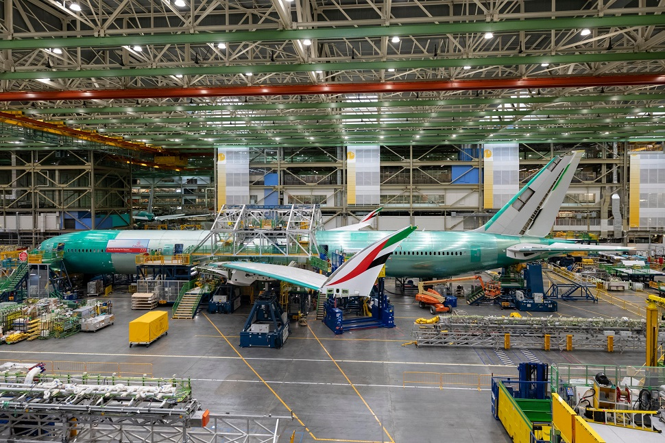 PICTURES: Emirates livery adorns 777-9 folding wingtips | News ...