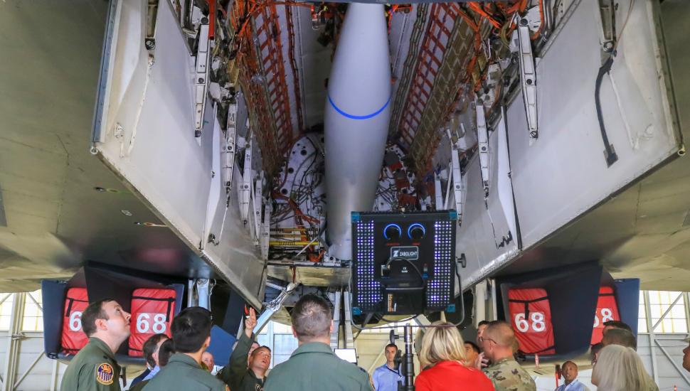 B-1B internal bomb bay modification