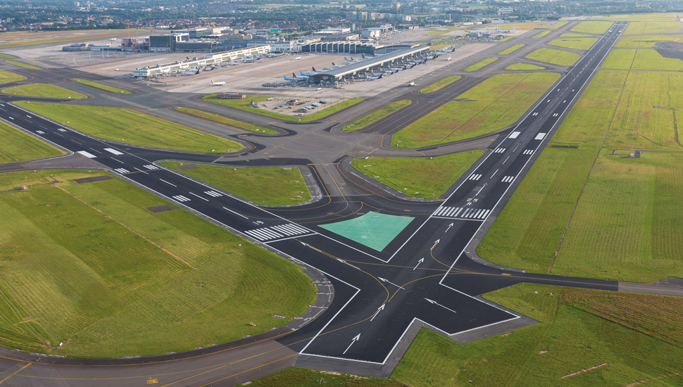 brussels-airport-Runways-by-Tom-Dhaenens