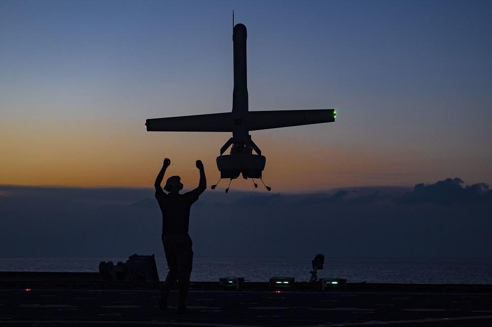 V-Bat landing on USNS Spearhead