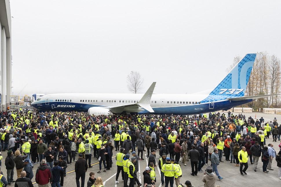 737 Max 10 unveiling
