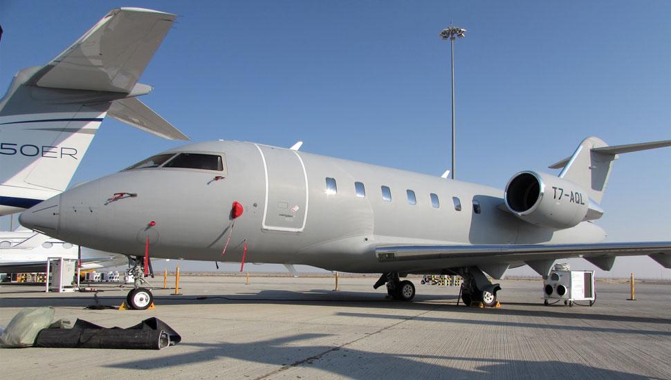 Bombardier-Challenger-650-c-Max-Kingsley-Jones+Fli